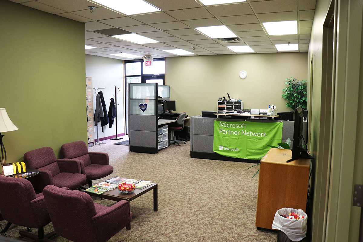 Knowledge Transfer Common Area for Training Room Rentals in Eagan, MN